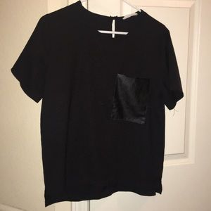 Pocket polyester t-shirt